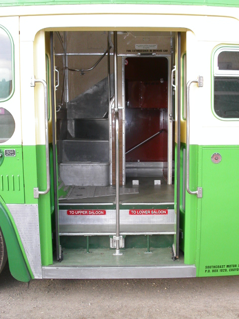 Double-deck entrance